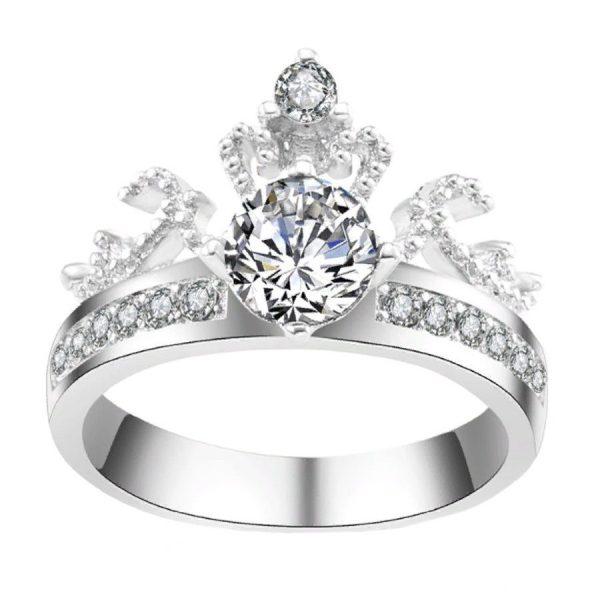 Кольцо в виде короны королевы с кристаллом