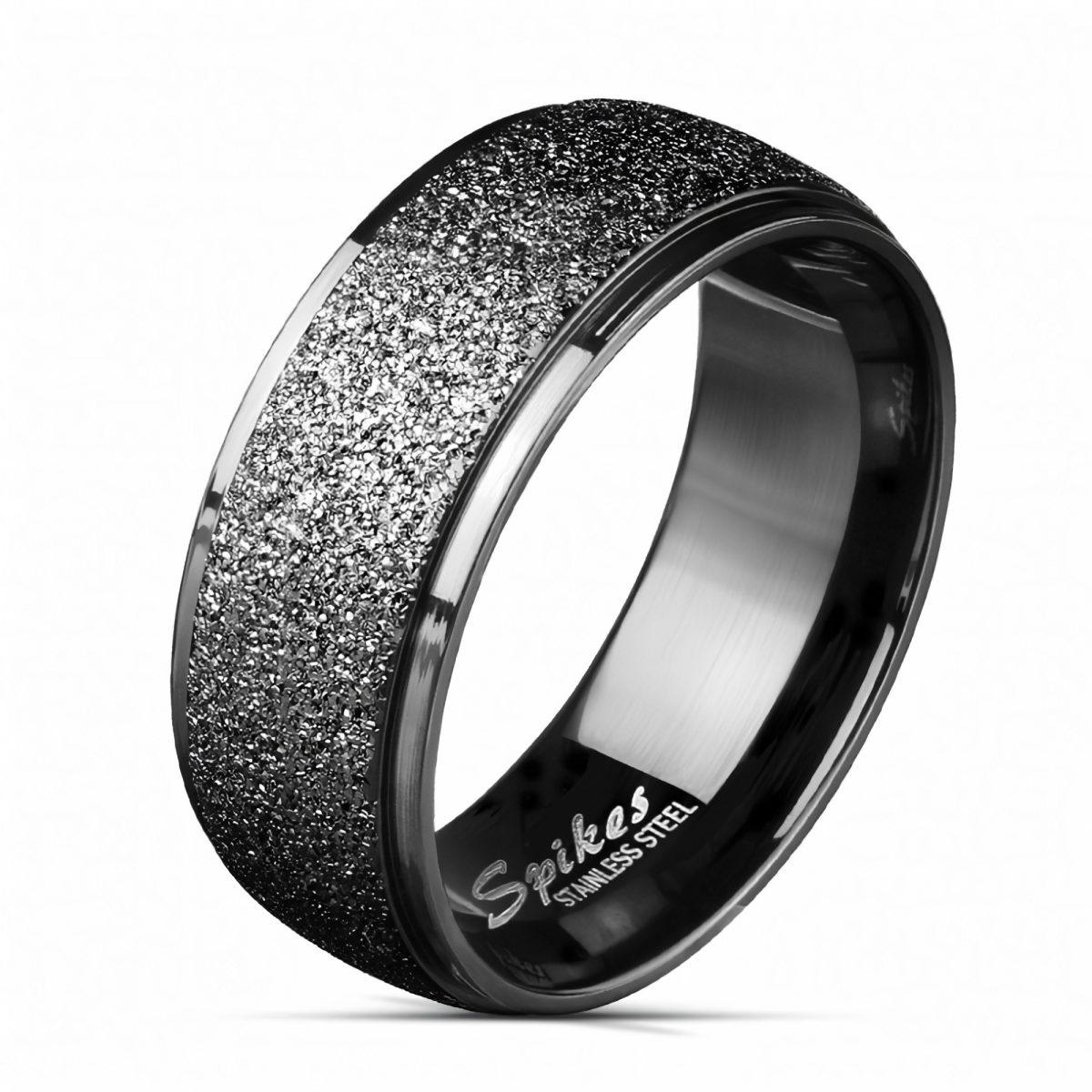 Черное кольцо с мраморной пылью