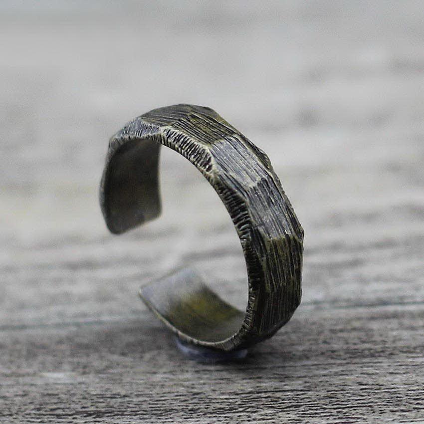 Кольцо кованное бронзового цвета