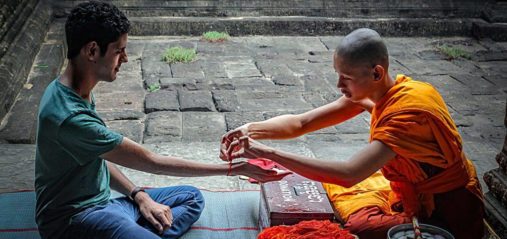 Красная нить в буддизме