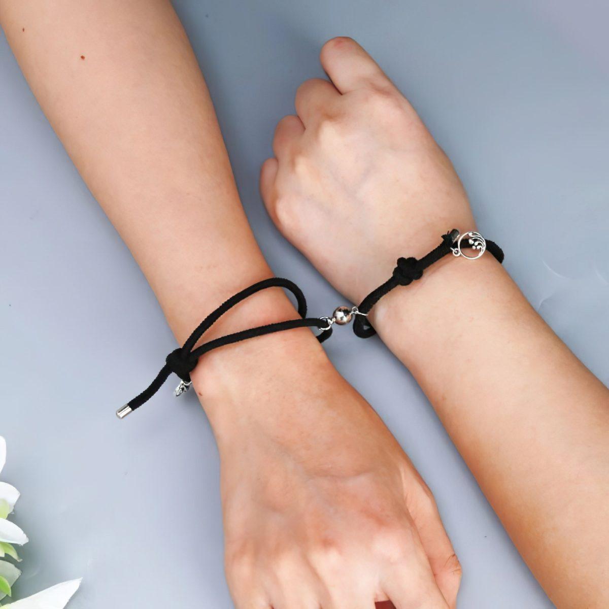 Черные браслетики для двоих с магнитами