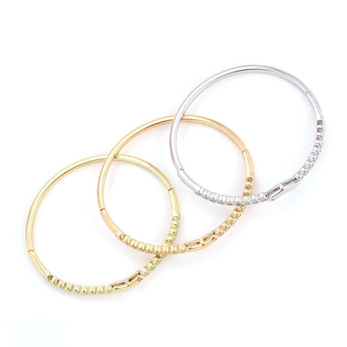 Набор оригинальных женских браслетов