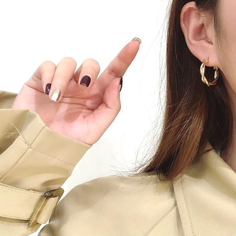 Золотистые женские серьги