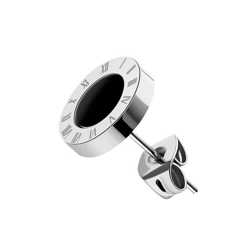 Серебряная серьга в ухо