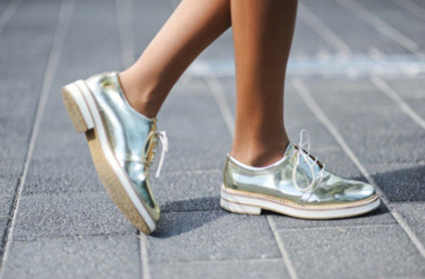 Лёгкая женская обувь