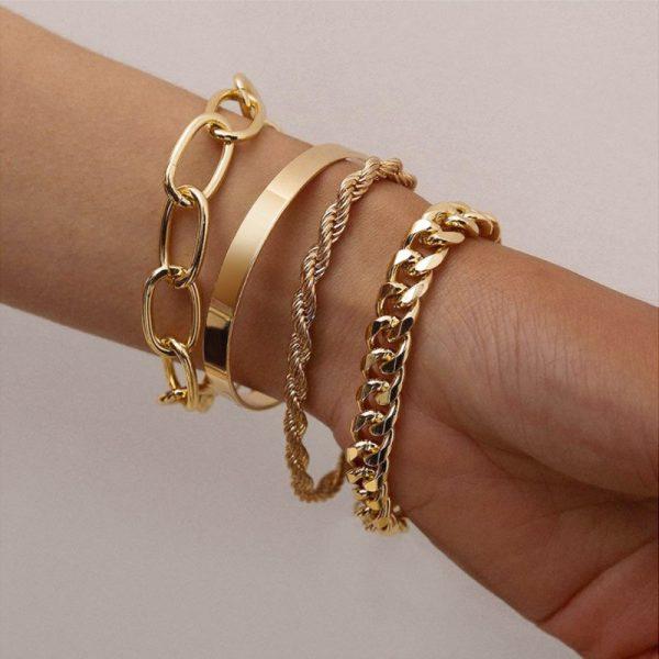 Набор браслетов золотистых